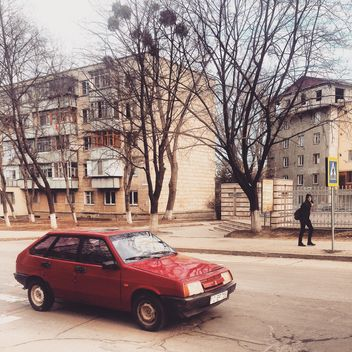 Old red Lada - image #332095 gratis