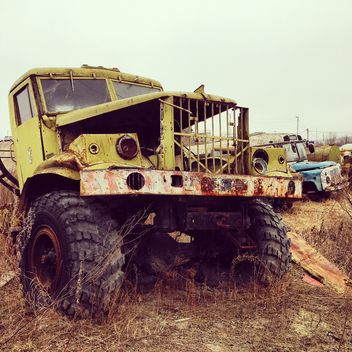 Old trucks at dump - image gratuit #332125