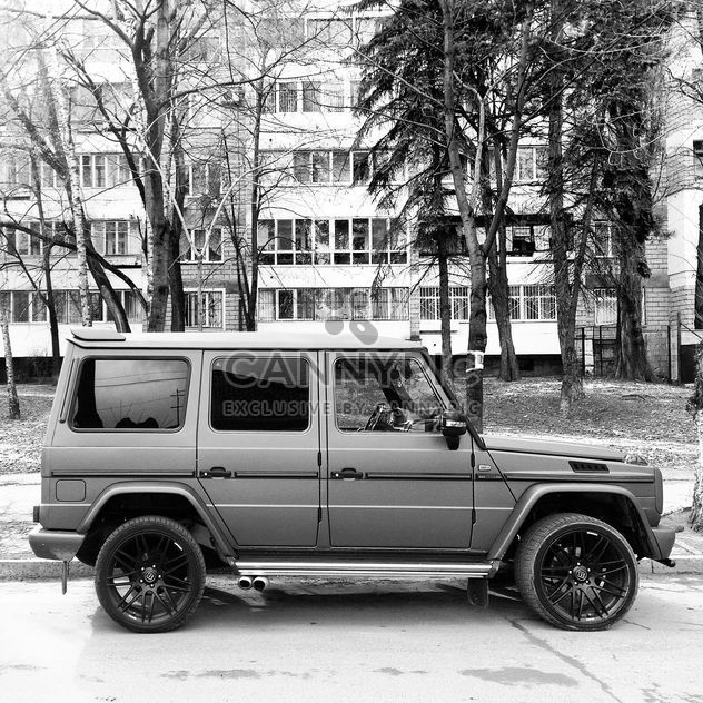 Mercedes Gelandewagen car in street - бесплатный image #332185