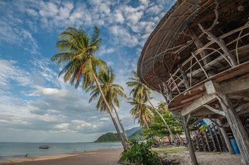 Wooden hut on a beach - image #332965 gratis