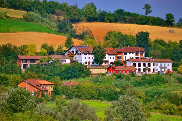 houses in the countryside - Kostenloses image #333755