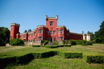 Red castle - image #334215 gratis