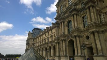 Details of The Louvre Museum Architecture - Kostenloses image #334235
