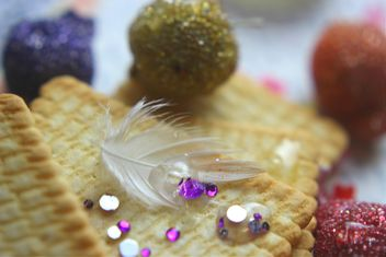 Vanilla still life with pearls and glitter - image gratuit #342195
