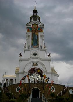 Church-memorial near sea - image #342565 gratis