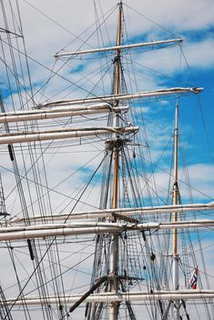 A three-masted ship in Norway - бесплатный image #344025