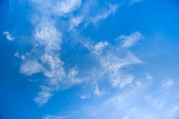 White clouds on blue sky - бесплатный image #344225