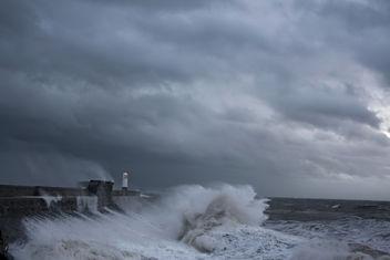 The power of the sea: Porthcawl, south Wales - Kostenloses image #344255