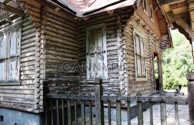 Old wooden house in forest - Free image #344545