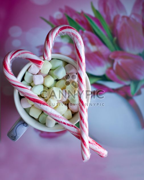 Cup of marshmallows and Christmas candies - image #345115 gratis