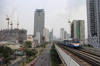View on metro train and architecture of Bangkok, Thailand - image gratuit #346245