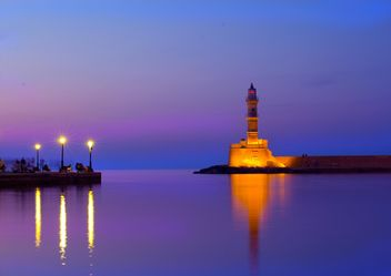 View on lighthouse at sunset in Venetian port in Chania, Crete, Greece - Kostenloses image #346555
