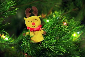 Toy deer on Christmas tree - бесплатный image #347915