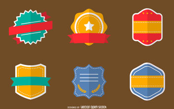 Flat badges set - vector gratuit #380065
