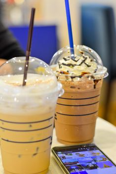 Coffee with ice in plastic cups - бесплатный image #380505