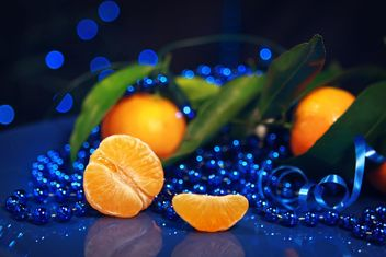 Christmas decor with mandarins - image gratuit #385165