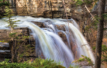 Above the falls - image #415255 gratis
