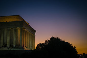 Sunset at the Lincolm Memorial - image #421625 gratis