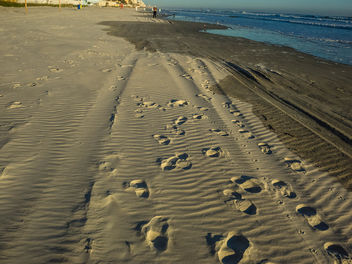 Steps on the beach - image gratuit #425545