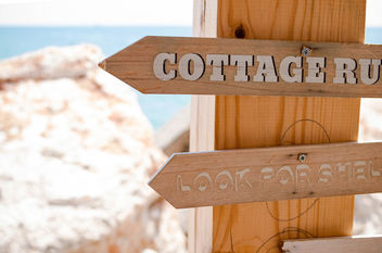 Wooden signs at a beach bar - image gratuit #447535
