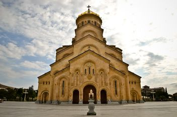 The Holy Trinity Cathedral of Tbilisi - бесплатный image #449605