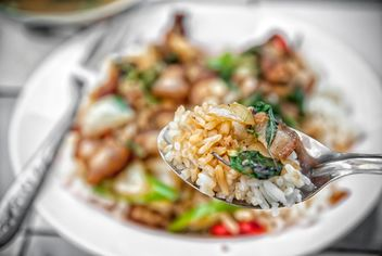 Rice with pork and basil - image gratuit #452485