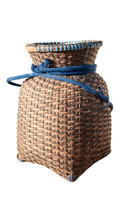 Wicker vase isolated on white background - image #452505 gratis