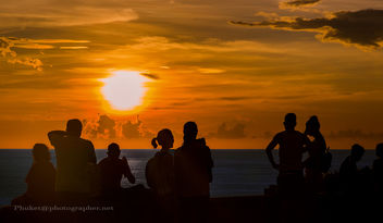 People at sunset, Promthep Cape, Phuket island, Thailand XOKA6929s - бесплатный image #454205
