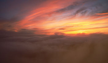 In the clouds above. - Kostenloses image #454725