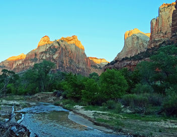 Sun Kissed, First Light on Virgin River, Zion NP 2014 - image gratuit #455205