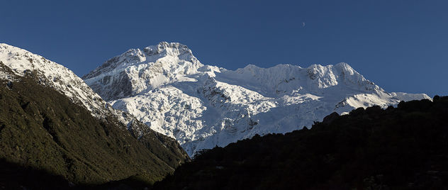 Moon over Mt Sefton - image gratuit #455525