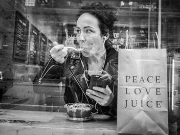 Peace. Love. Juice. - image #456535 gratis
