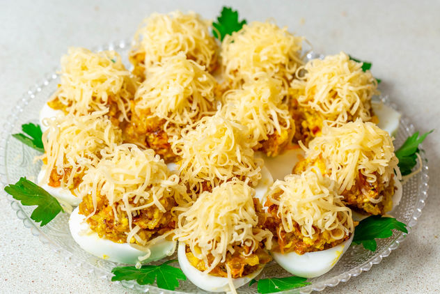 Stuffed-eggs-with-cheese.jpg - image gratuit #457615