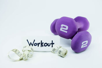 Weights and meter with a WORKOUT tag.jpg - image gratuit #457895