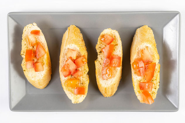 Flat lay above Bread Baguettes with Tomato and Tartar Sauce.jpg - image gratuit #460295