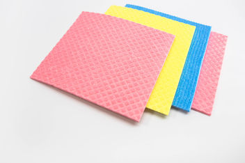 Pink, yellow, and blue, kitchen cleaning cloths (Flip 2019) - image #460505 gratis